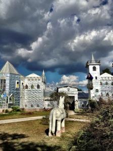 Solomon's Castle and Horse